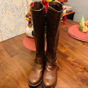 🌻 ADORABLE GUESS RIDING BOOTS 🌻